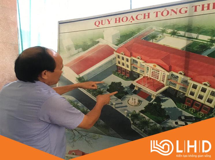 chu tich ubnd xa dong phuong thai binh tham showroom cua nhom xingfa lhdgroup (7)