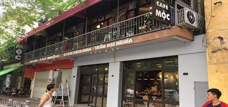 cửa nhôm xingfa quán cafe